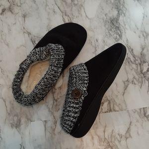 Kooba Black w/ pattern  faux fur lined slippers